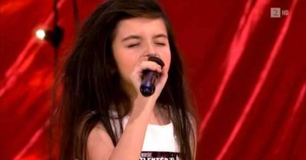Esta niña hizo llorar a la productora