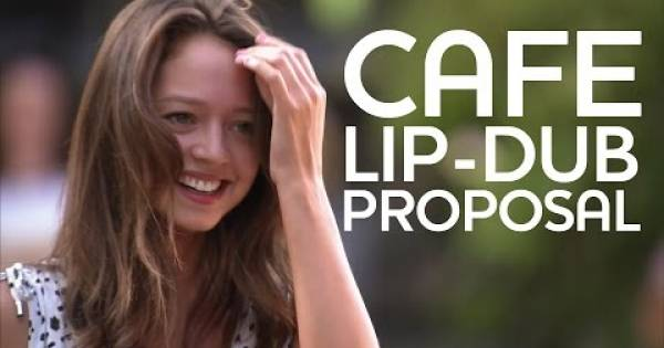 De verdad lloré! Este video de una propuesta de matrimonio, sólo derretirá nuestros corazones. ÈPICA!