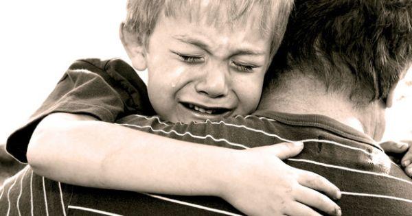 7 formas en las que DESTRUYES a tus hijos cuando decides serle INFIEL a tu esposa