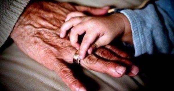 Por qué tiene tanta importancia la abuela materna para un niño